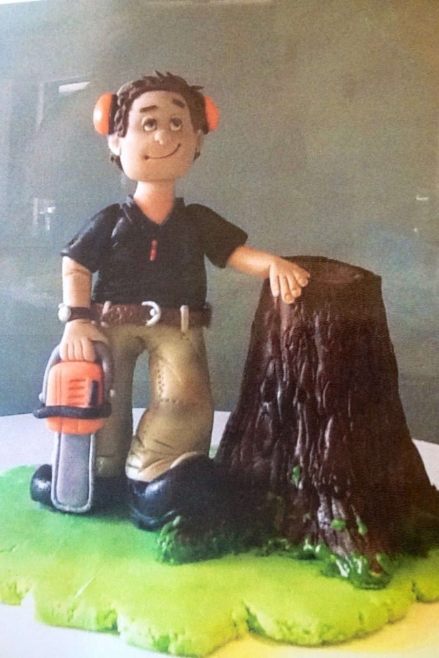 Chainsaw Cake Topper