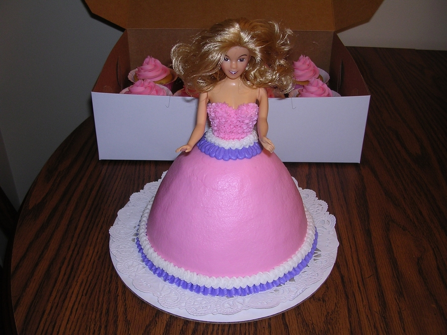 Princess Cake And Cupcakes on Cake Central