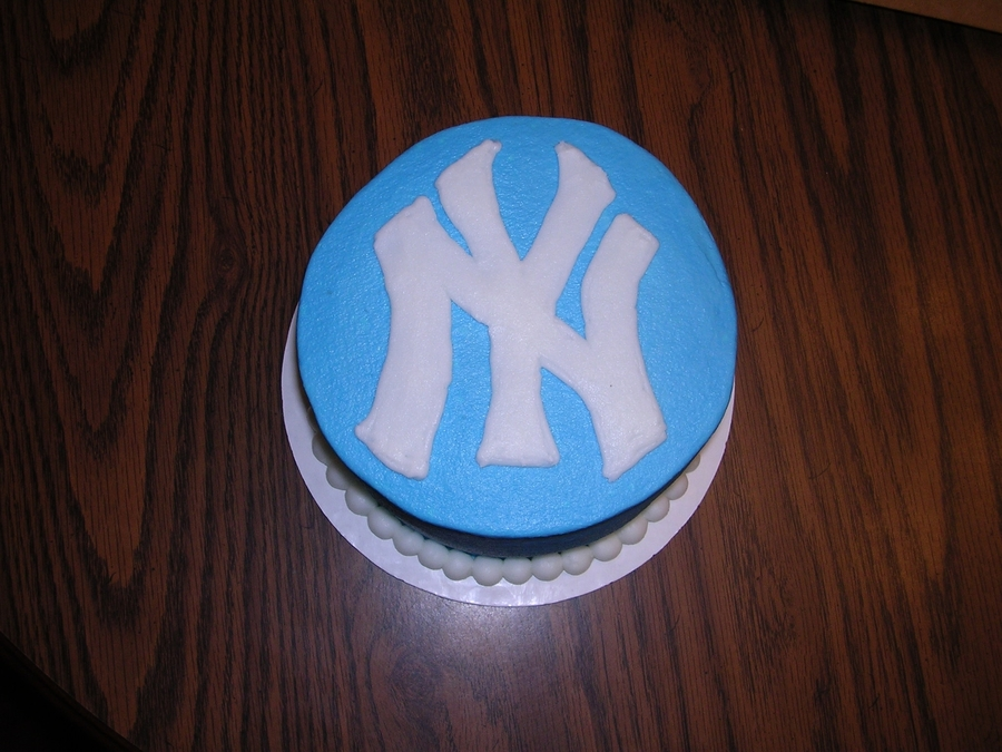 Yankees Birthday Cake on Cake Central
