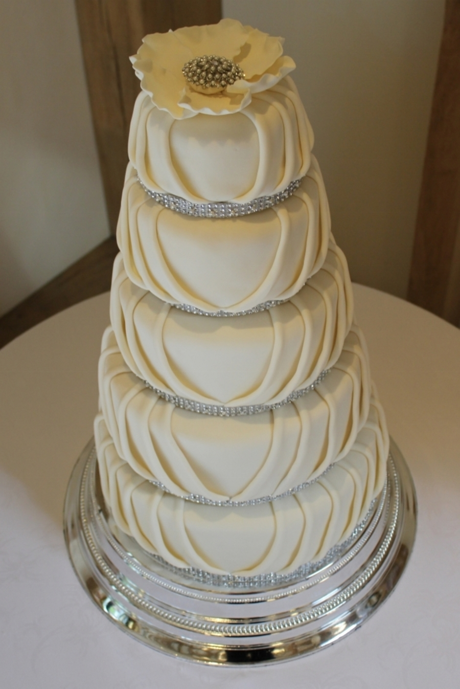 how to decorate a 5 tier wedding cake pleated 5 tier wedding cake cakecentral 15648