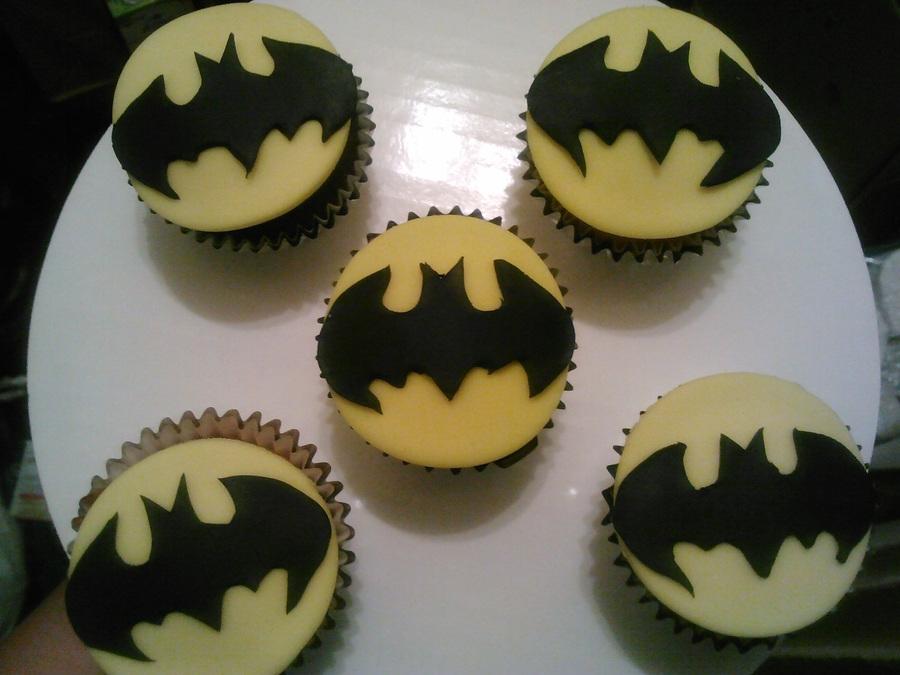 Batman Cupcakes!!! on Cake Central