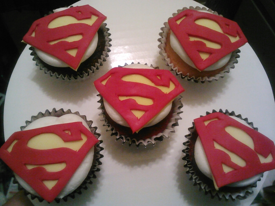 Superman Cupcakes... on Cake Central
