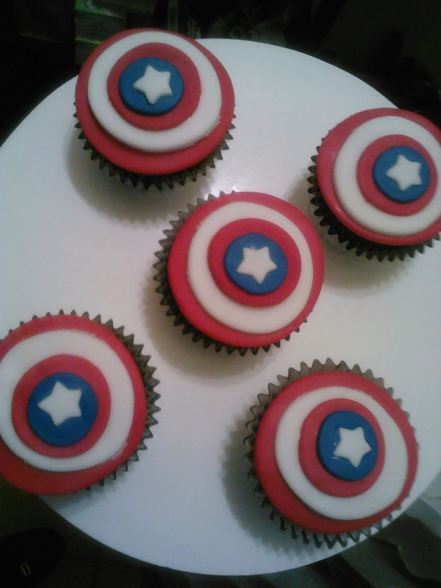 Captain America Cupcakes!!! on Cake Central