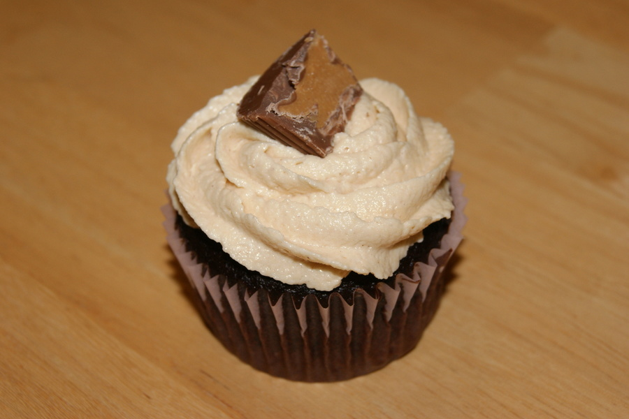 Chocolate And Peanut Butter Cupcake on Cake Central