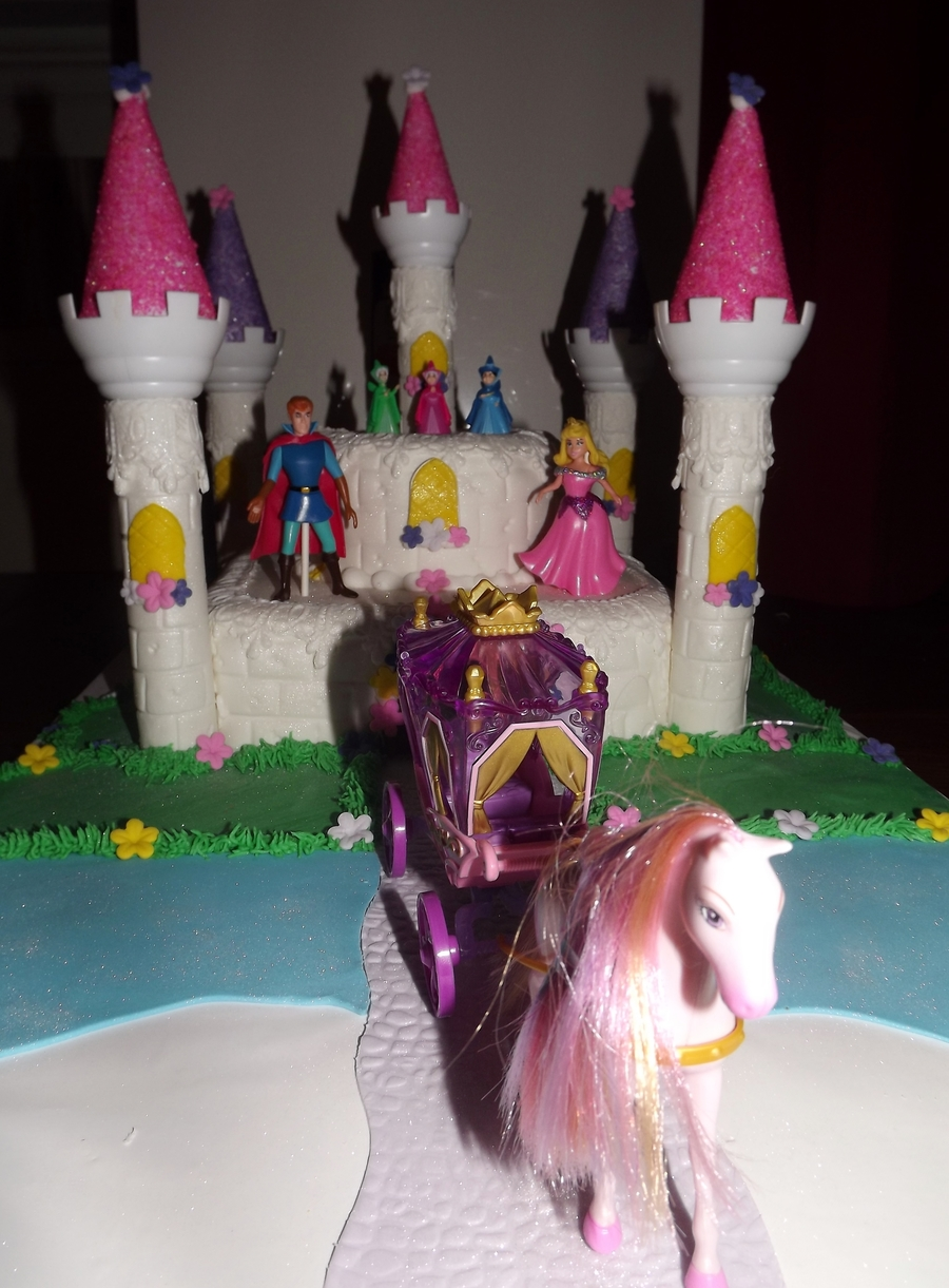 Sleeping Beauty's Castle  on Cake Central