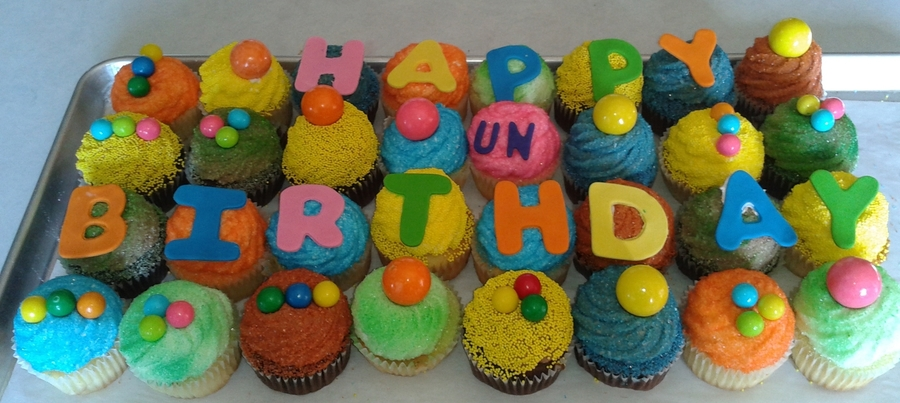 Un Birthday Cupcakes on Cake Central