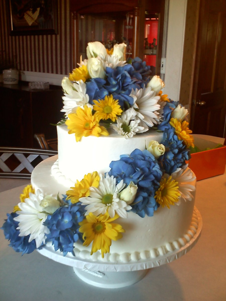 Fresh Flower Wedding Cake on Cake Central