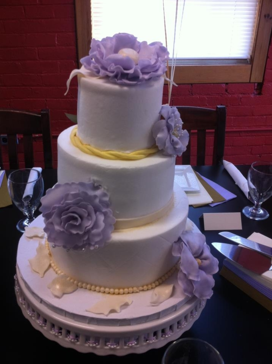Very Small Wedding Cake on Cake Central