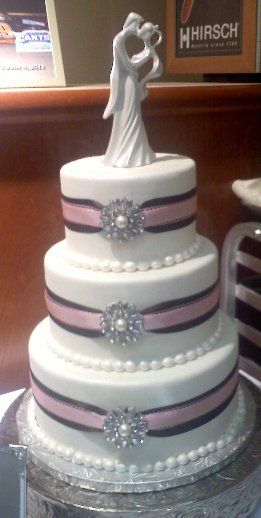 Broach Wedding Cake on Cake Central