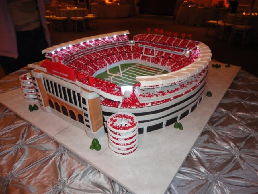 CakeCentral.com Stadium Bryant-Denny Cake - Groom
