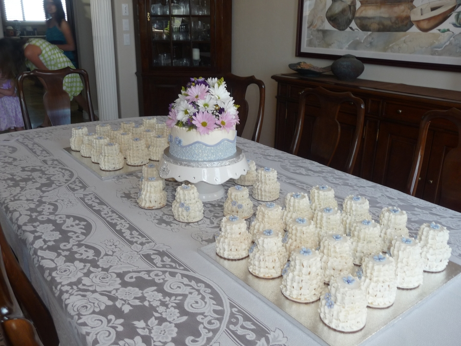 how to ice mini wedding cakes lavender bliss cakecentral 15755
