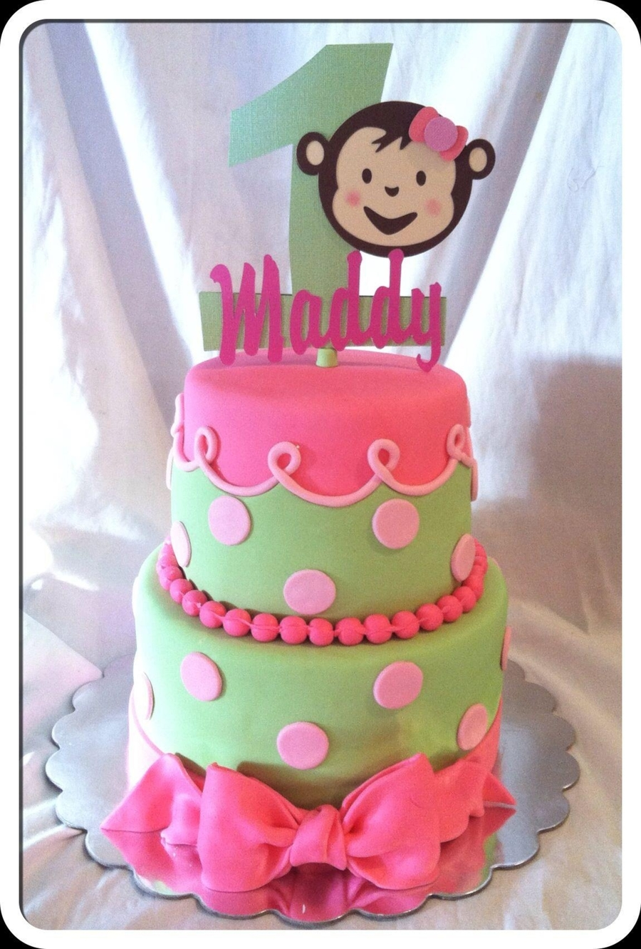 Mod Monkey Love  on Cake Central