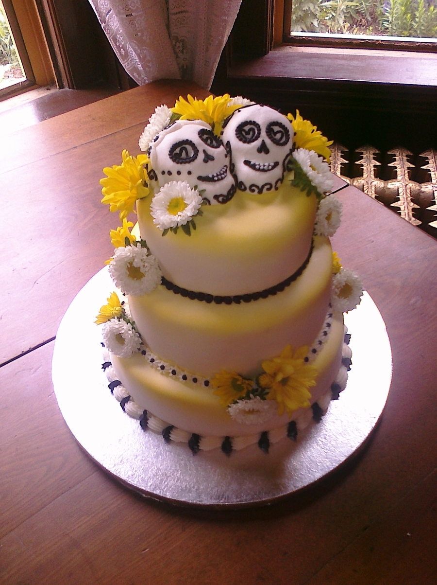 candy skull wedding cake sugar skulls wedding cake cakecentral 12352