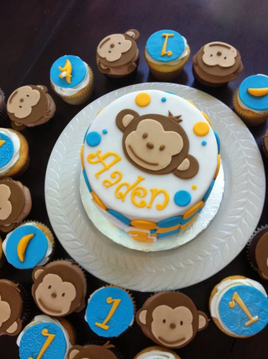 Cool Mod Monkey Themed 1St Birthday Cake With Cupcakes Cakecentral Com Personalised Birthday Cards Xaembasilily Jamesorg