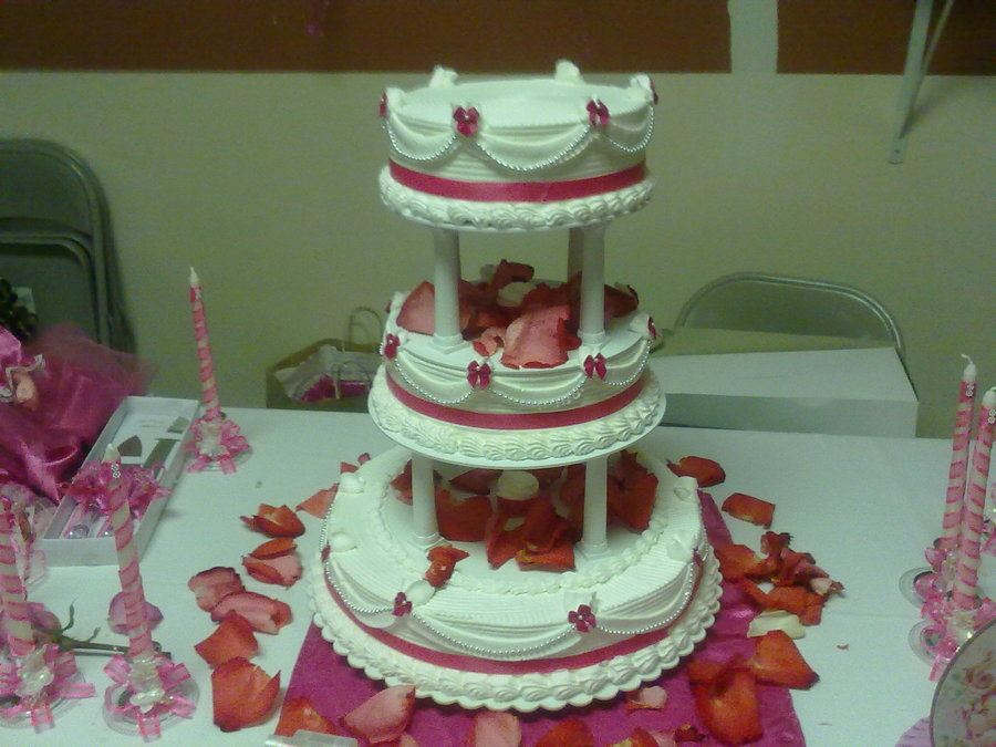 Quinceanera Fresh Fuscia Rose Petals on Cake Central