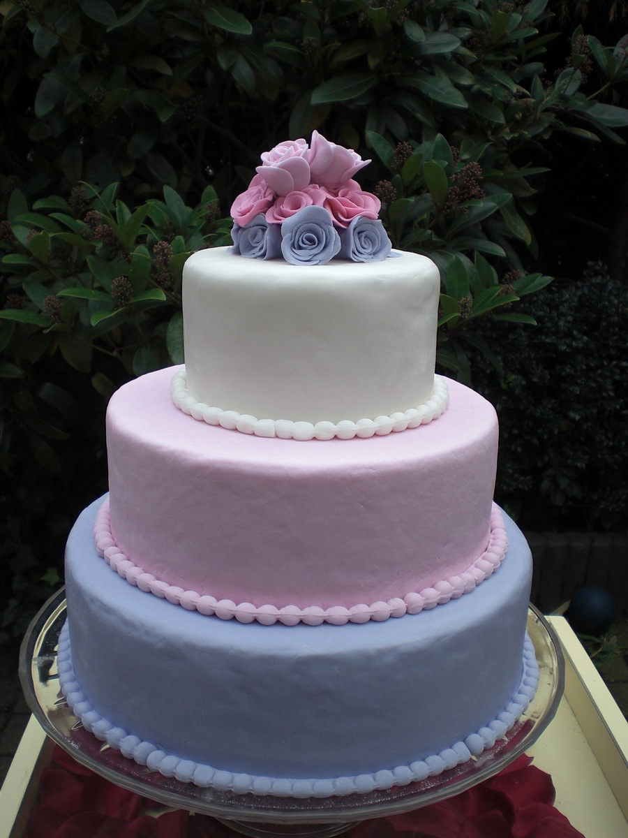 three tier wedding cake with roses 3 tier wedding cake roses allergen free cakecentral 20956