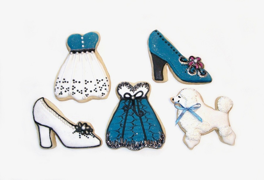 Edible Designer Wear & A Poodle, Too!  on Cake Central