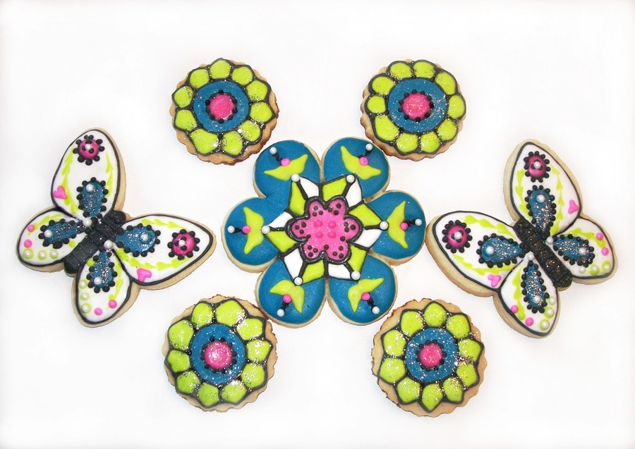 Kaleidoscope Flowers And Butterflies on Cake Central