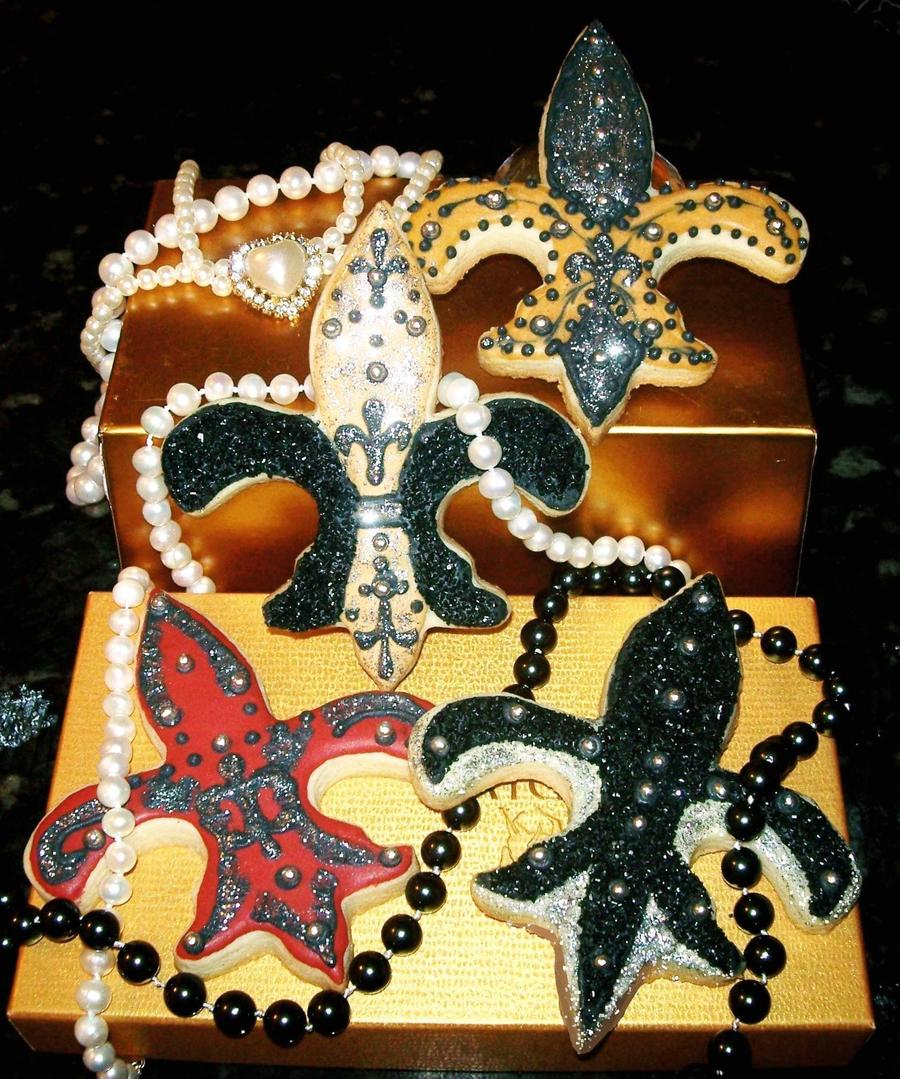 Fleur De Lis Bling! on Cake Central