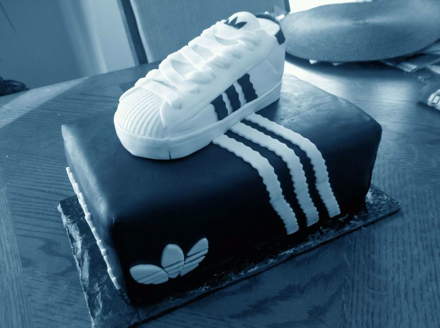 Cakes With Baby Shoes