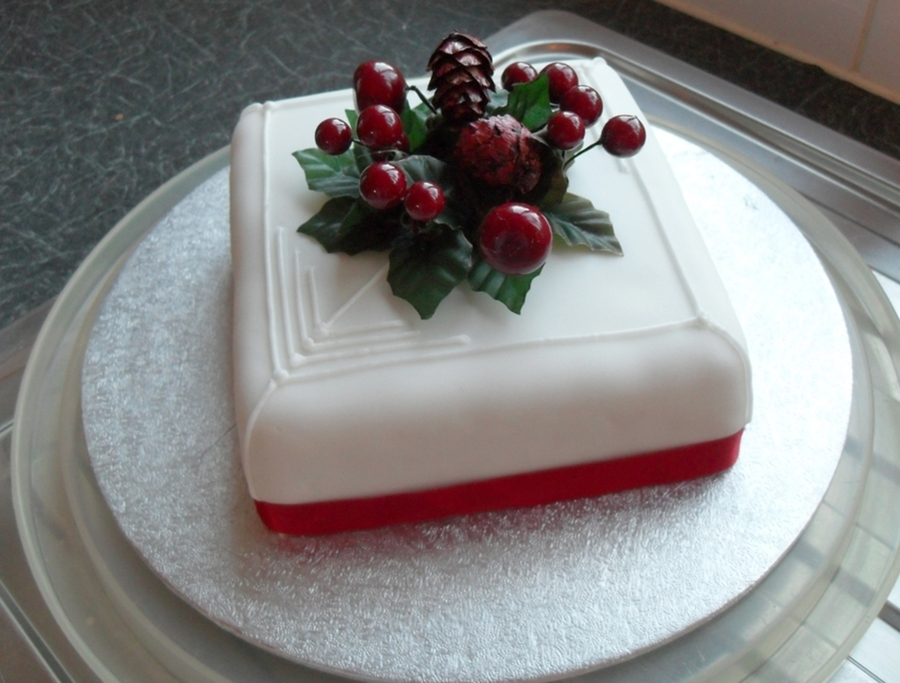 Small Christmas Cake on Cake Central