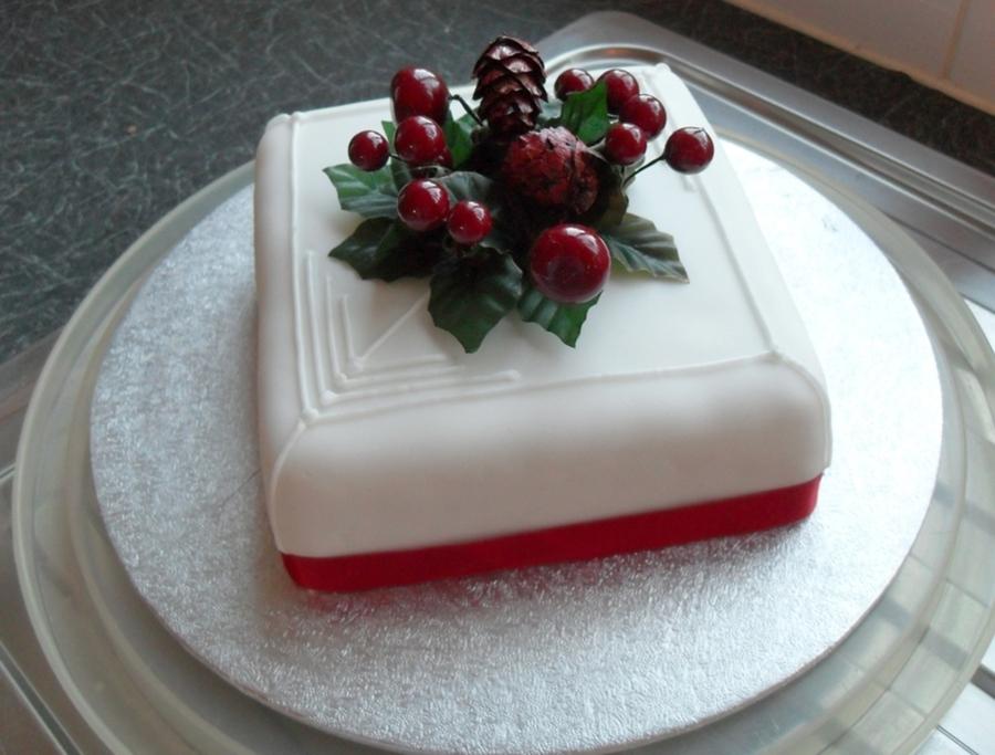 Small Christmas Cake Images : Small Christmas Cake - CakeCentral.com