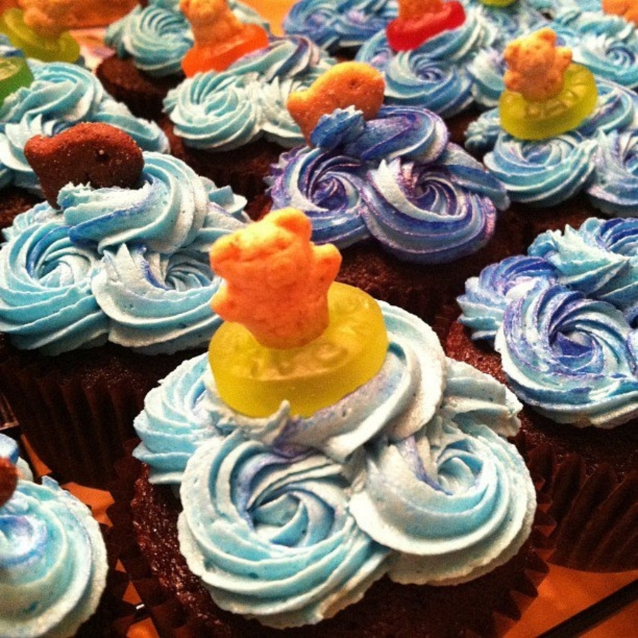 Pool Party Cupcakes  on Cake Central