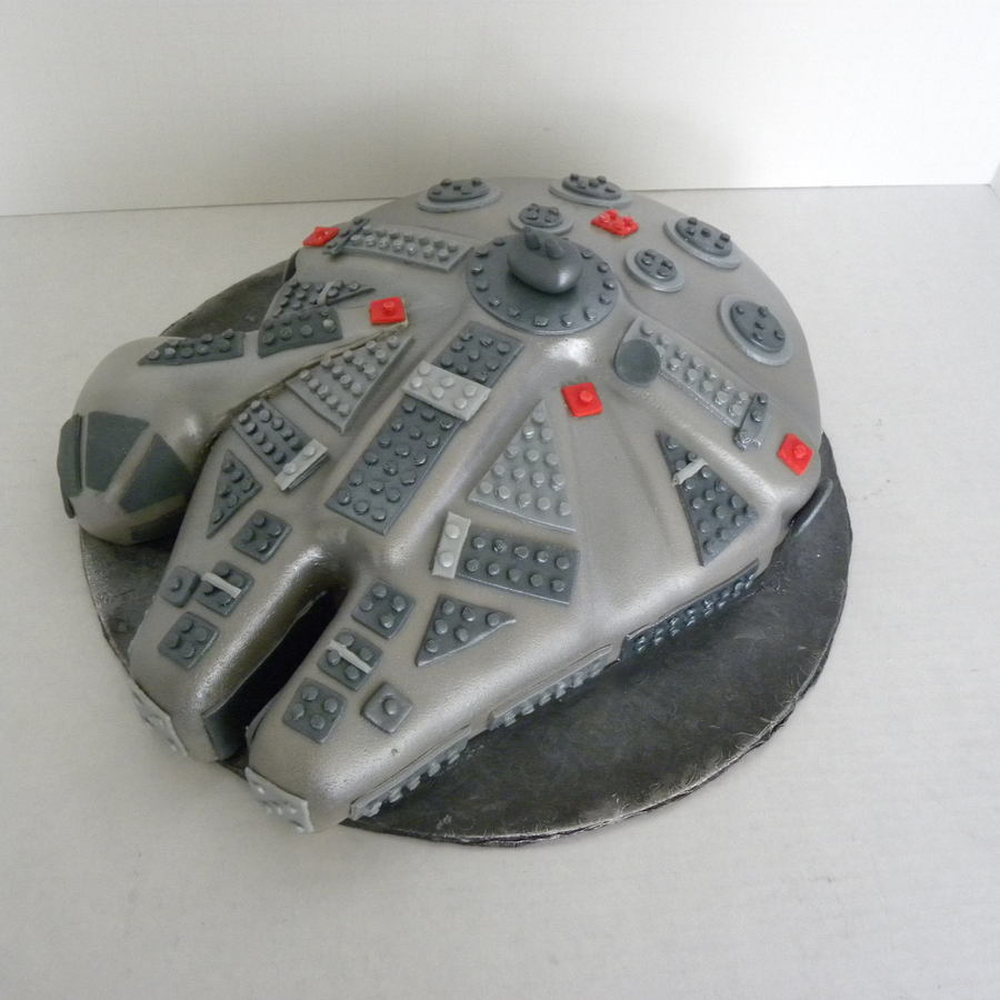 Lego Millenium Falcon on Cake Central