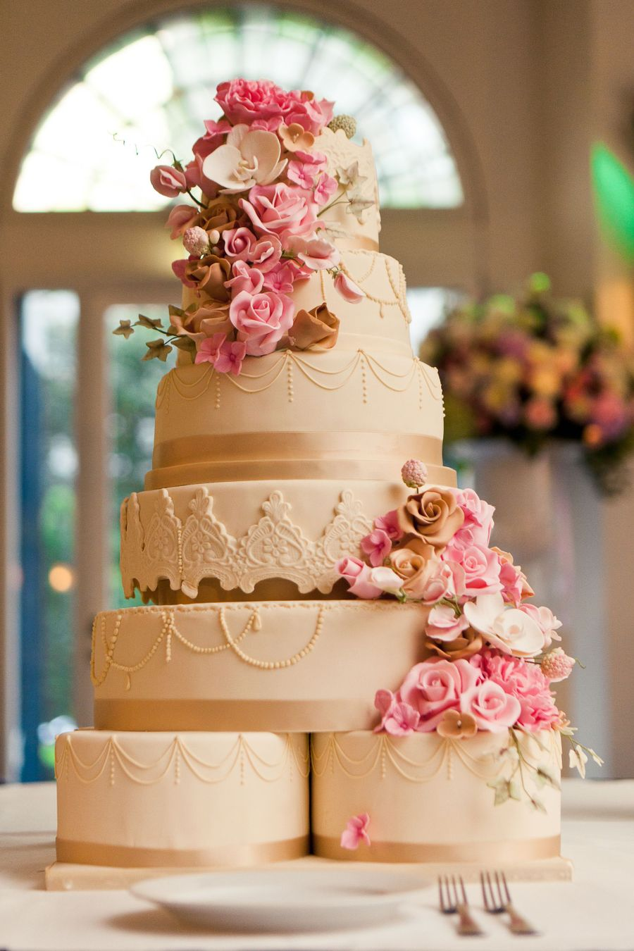 flowers in wedding cake wedding cake with sugar flowers cakecentral 14345