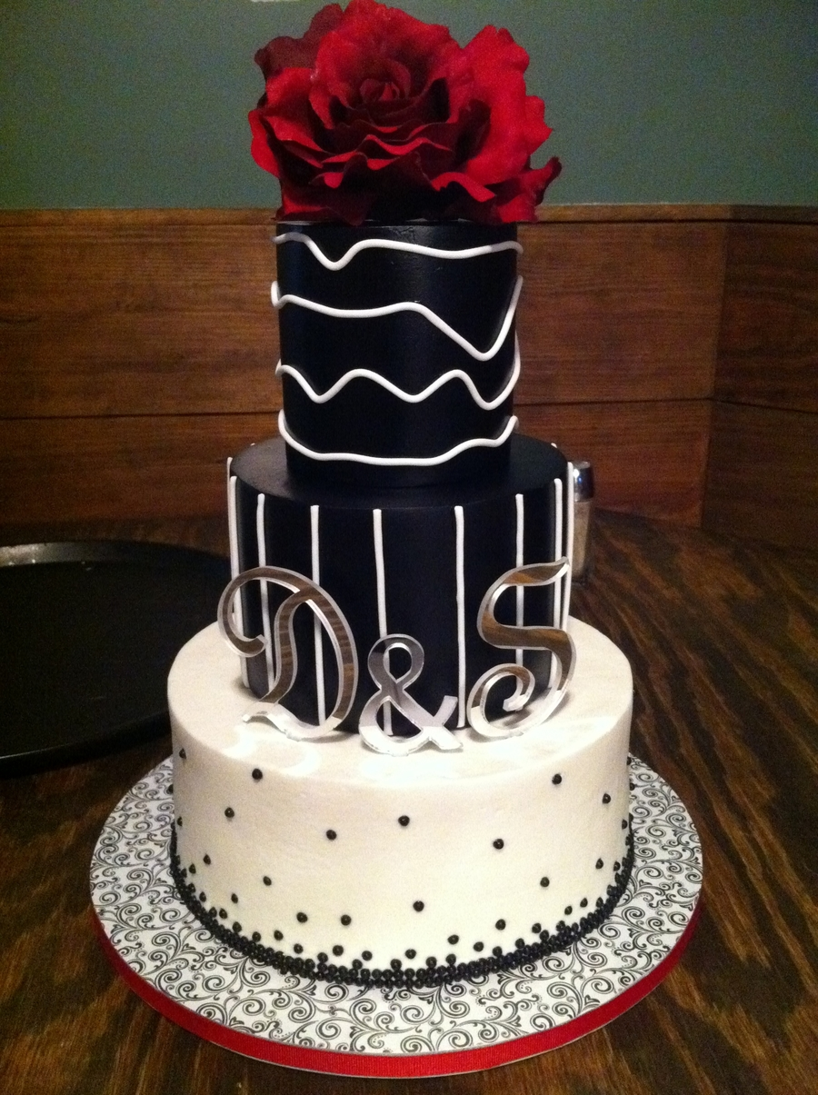 Black & White Modern on Cake Central