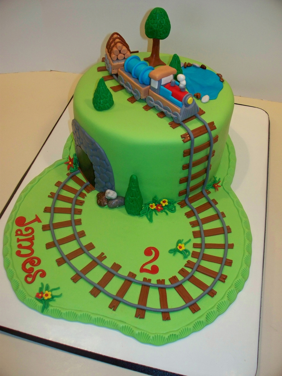 Train Birthday Cake  on Cake Central