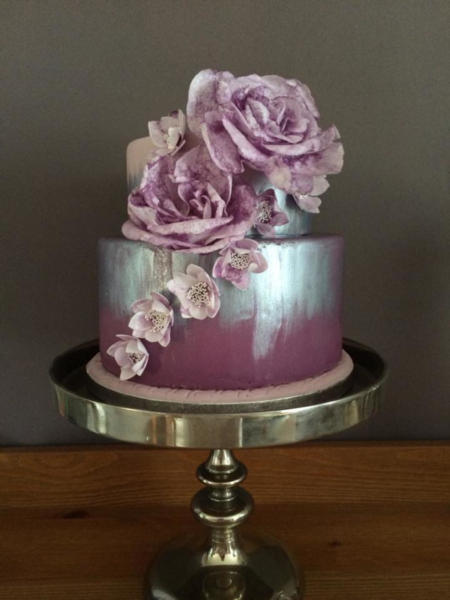 How To Put Artificial Flowers On A Cake