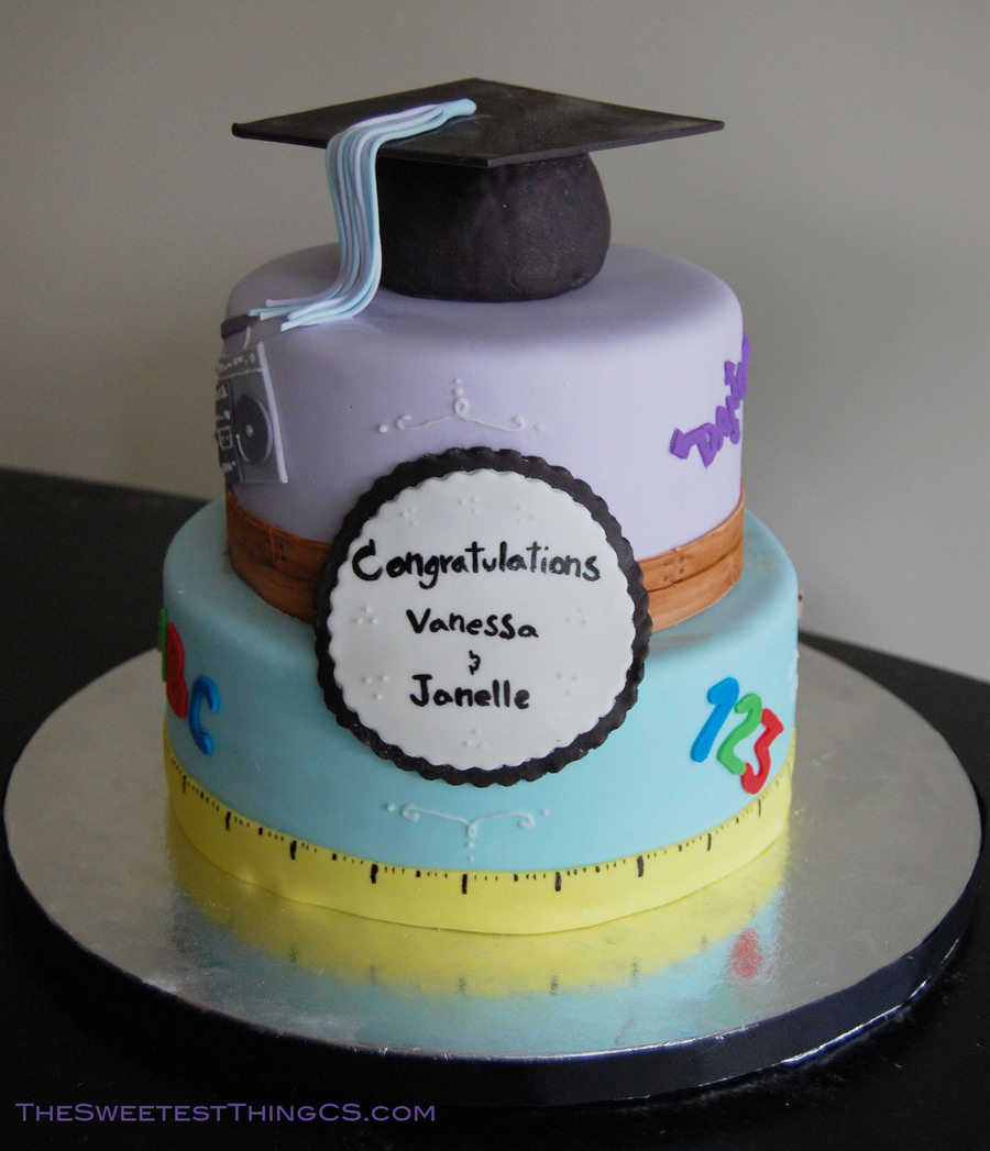 College Graduation Cake Images : College And Highschool Graduation Cake - CakeCentral.com