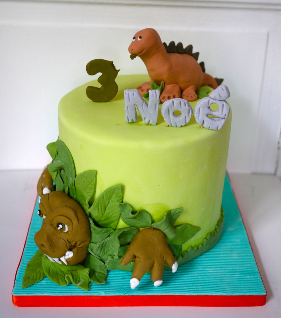 Dinasaur Birthday Cake Pictures