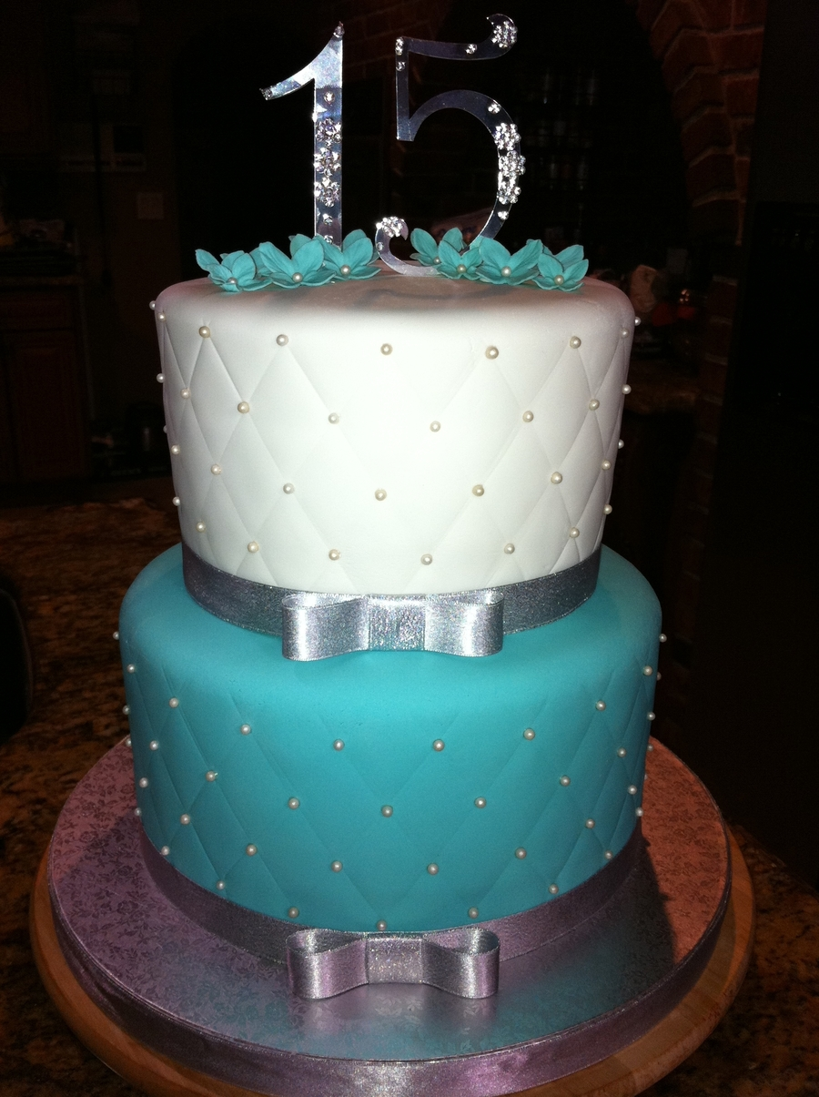 Tiffany Blue Cake Design : Tiffany Blue Cake - CakeCentral.com