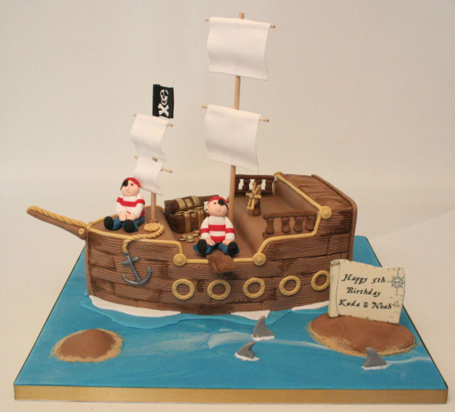 Cake Designs Pirate Ship : A Chocolate Pirate Ship Id Seen So Many So Thought I ...