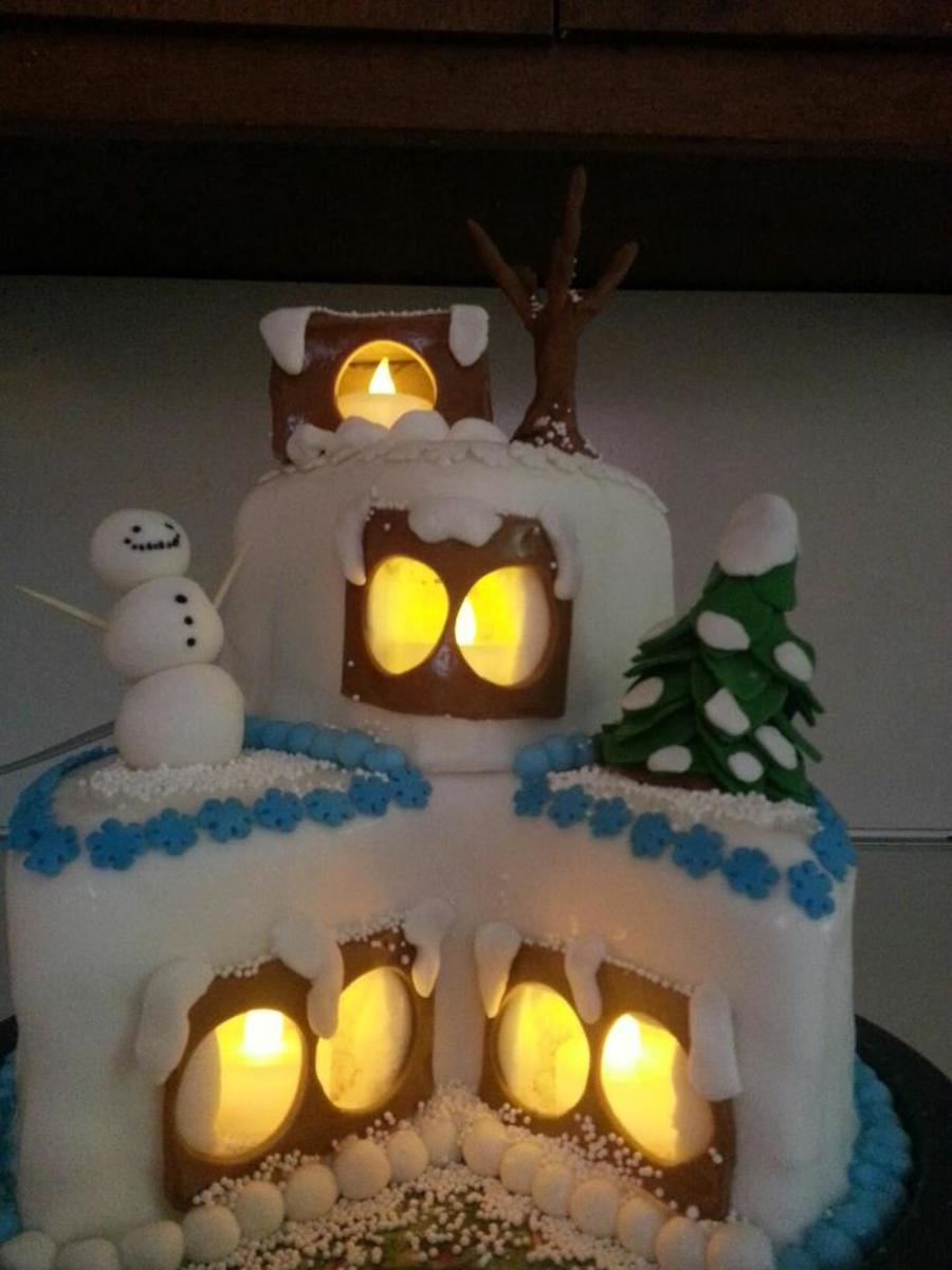 Christmas Cake With Real Lights In Windows on Cake Central