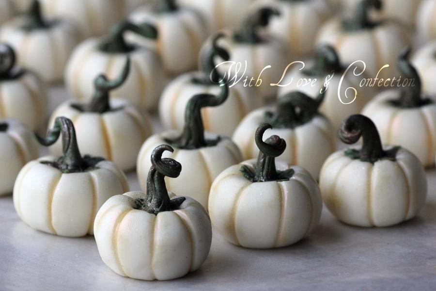 White Chocolate Pumpkins Tutorial Cakecentral Com