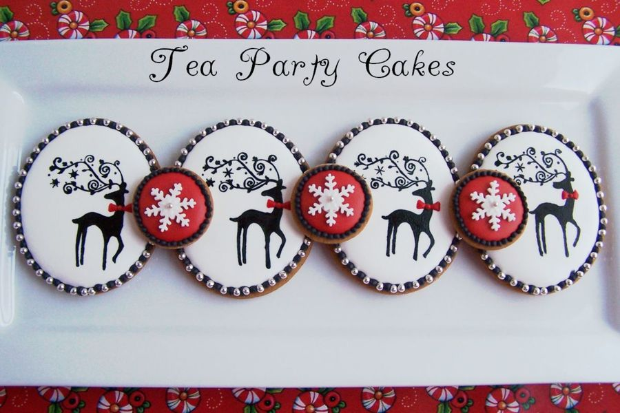 Gingerbread Cookies I Made For My Daughters Teacher Piped Royal Icing With Handpainted Reindeer Tfl  on Cake Central