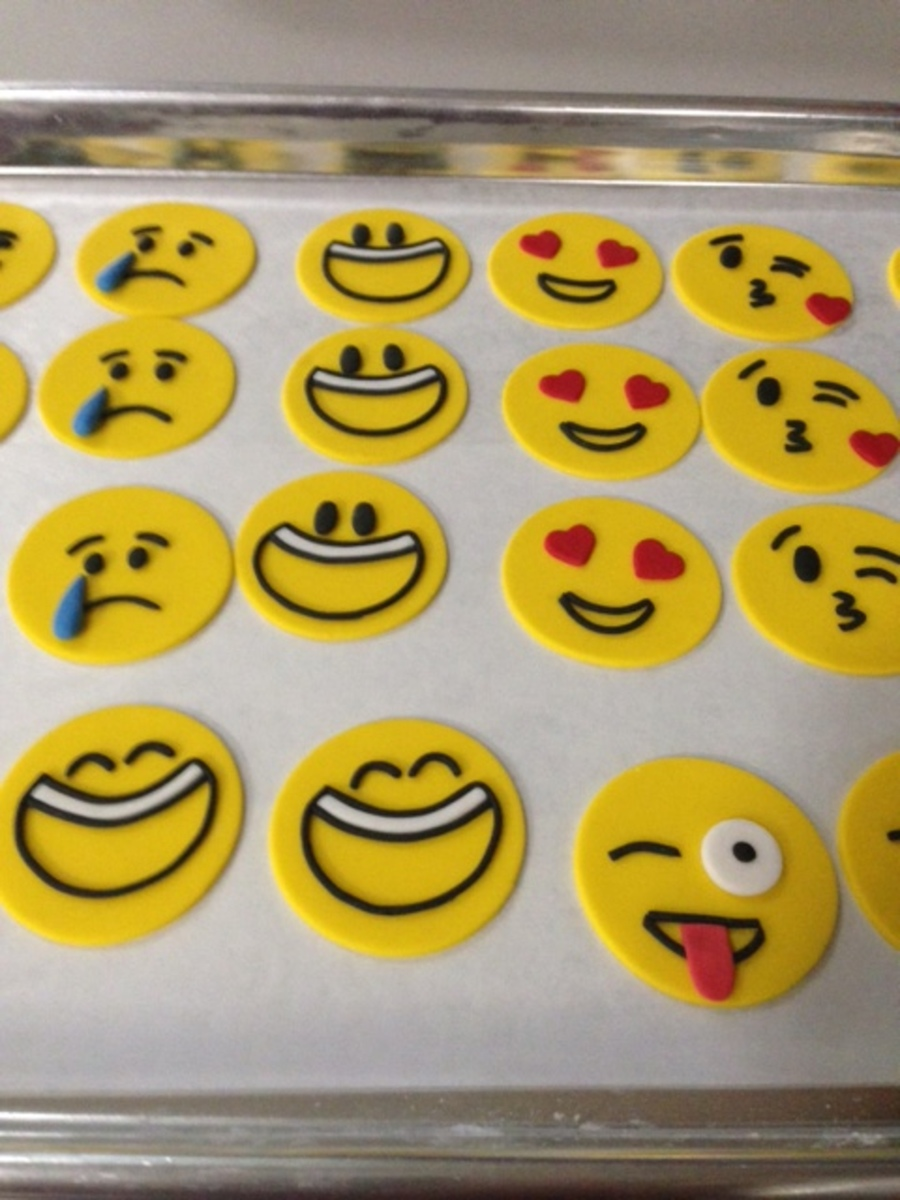 Smiley Face Cake Decorations