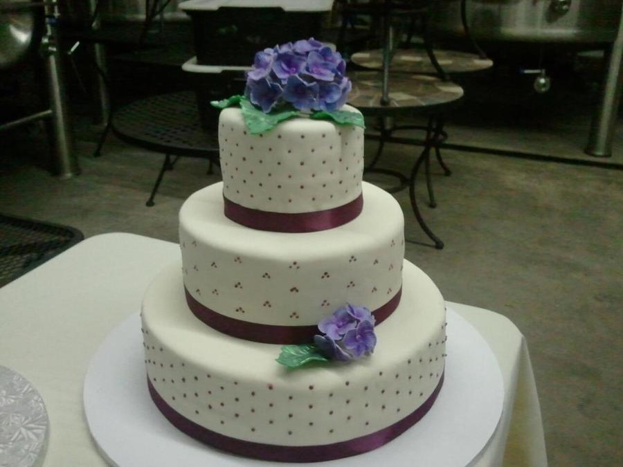 Dots And Hydrangea on Cake Central
