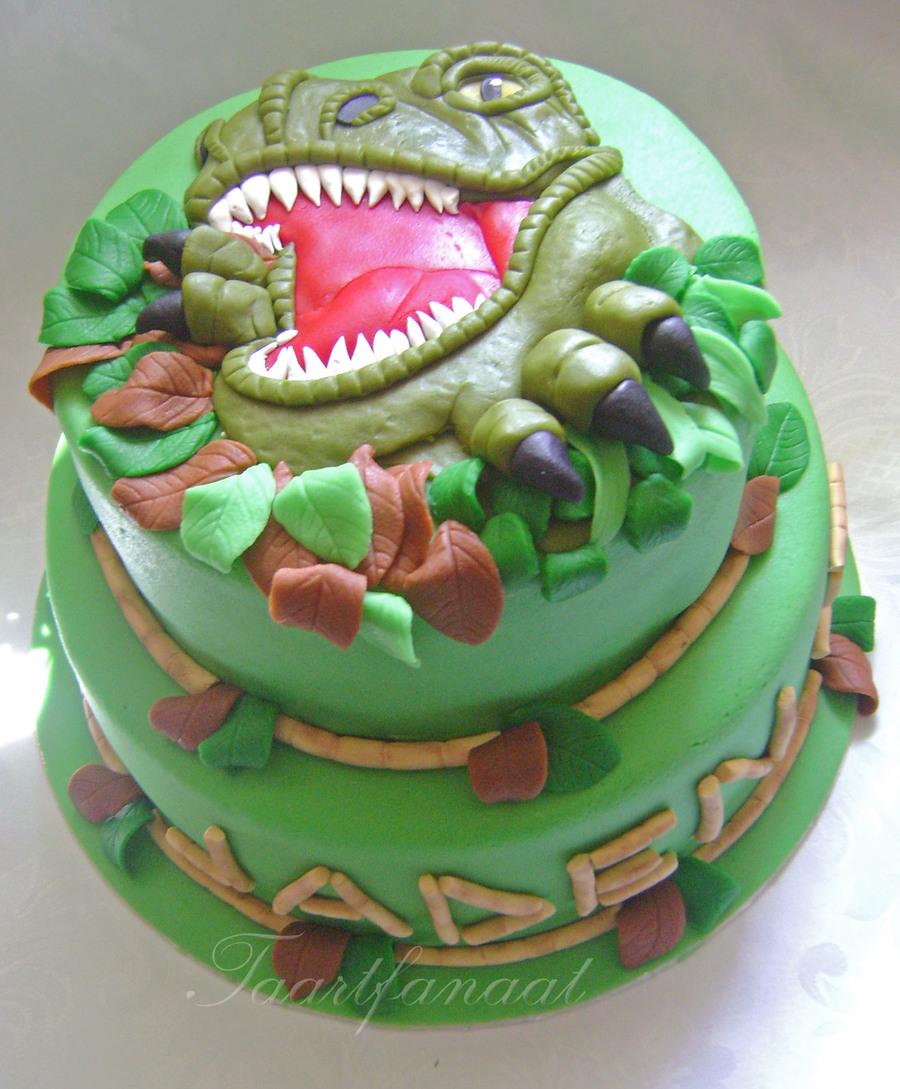 Dinosaur Cake - CakeCentral.com