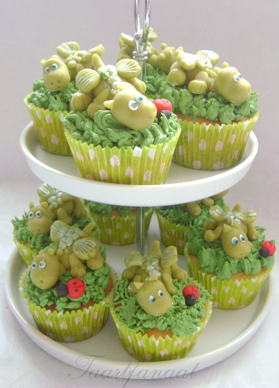 Sweet Babydragons On A Cupcake on Cake Central