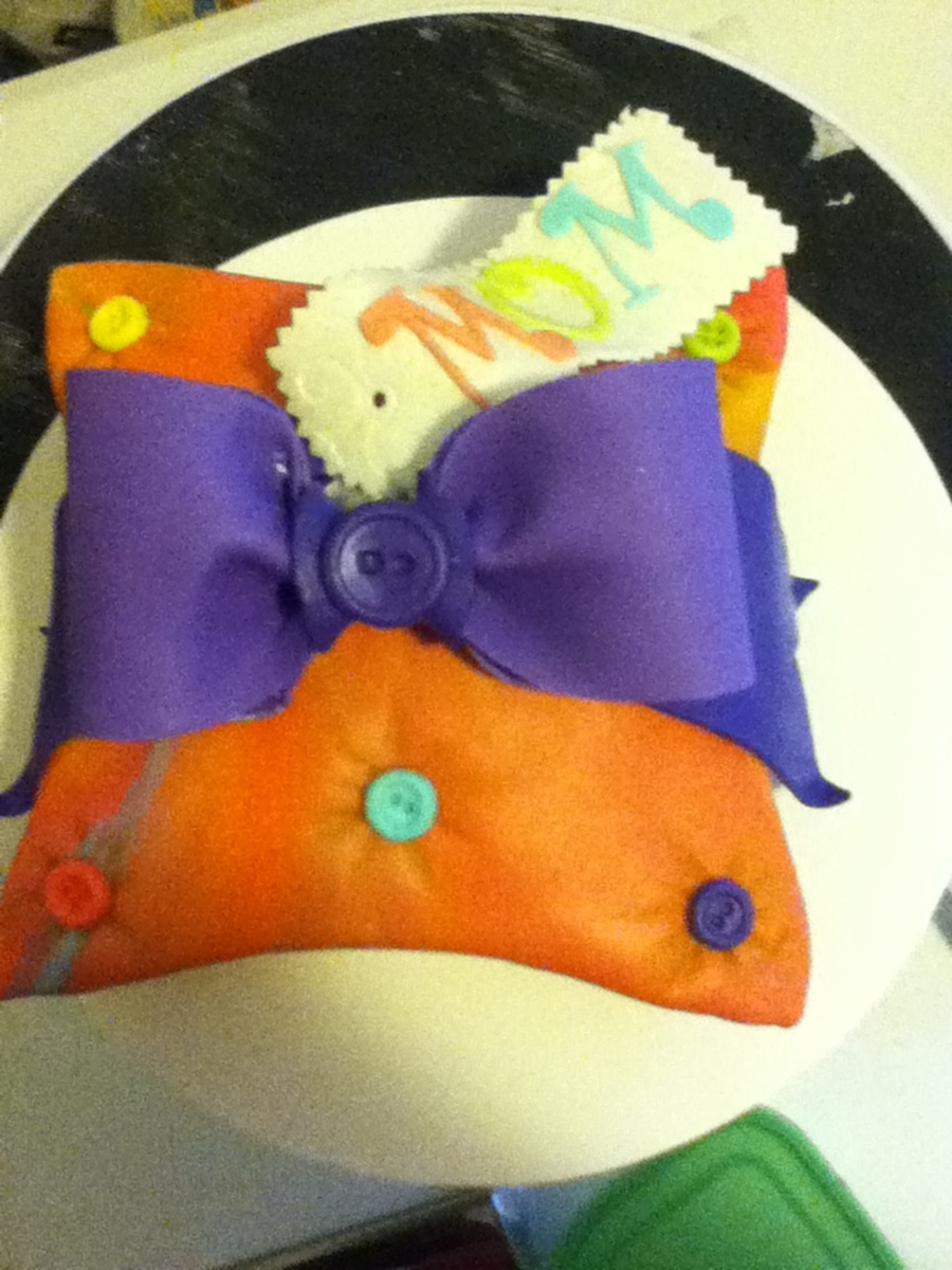 Mom's Pillow on Cake Central