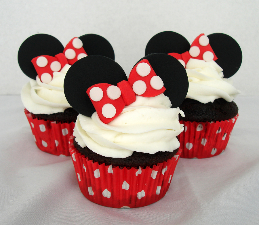 900_753196GWat_minnie cupcakes2