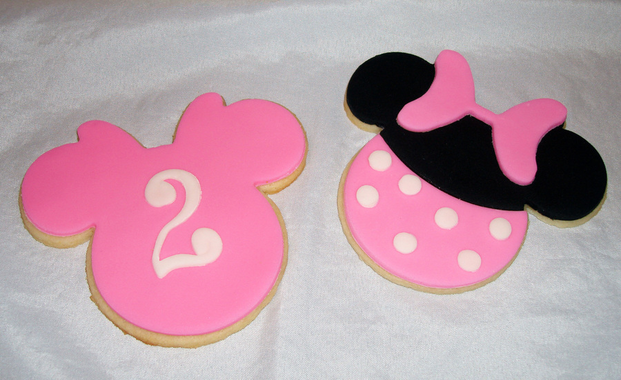 Minnie Mouse Cookies on Cake Central