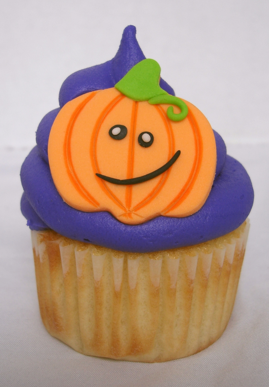 Cute Pumpkin Cupcake on Cake Central