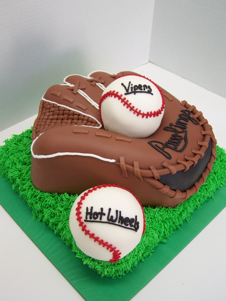 Ball Amp Glove Cakecentral Com