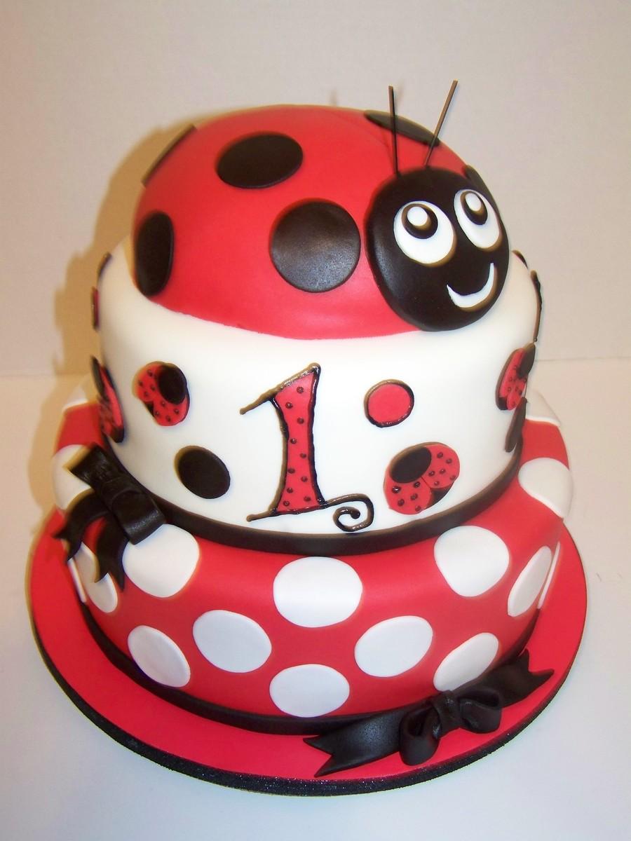 Ladybug cake for Angelica cake decoration