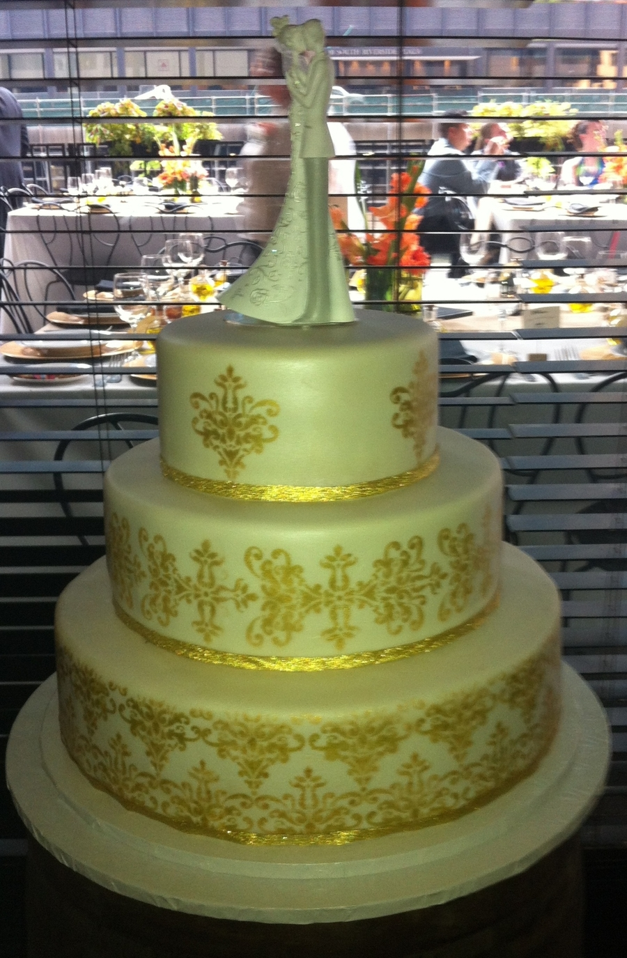 Ivory & Gold Lace on Cake Central